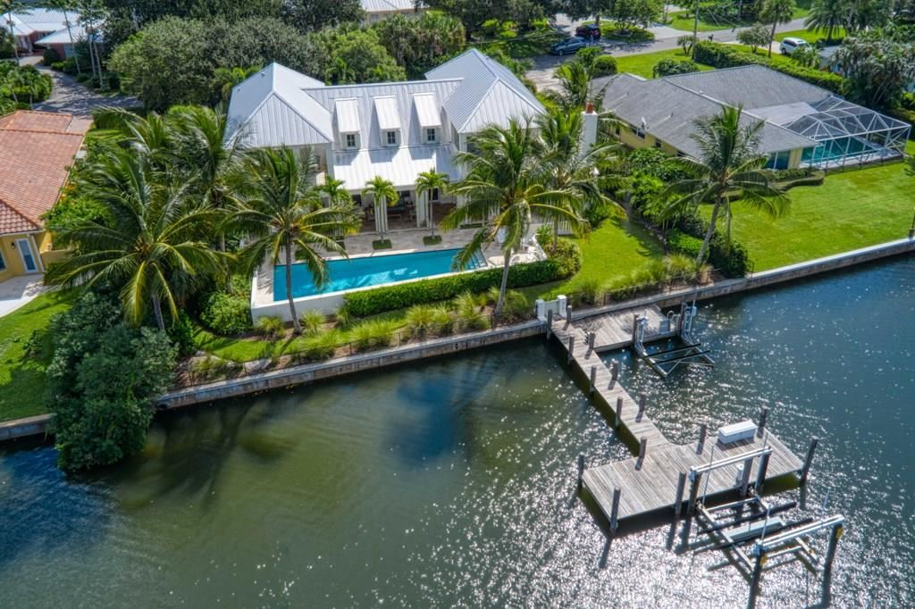4605 Sunset Drive, Vero Beach, FL 32963 - #: 236321