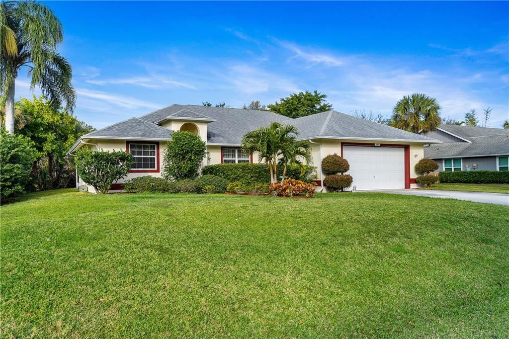555 39th Court SW, Vero Beach, FL 32968 - #: 240559