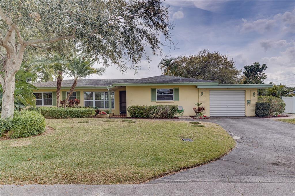 27 Seahorse Lane, Vero Beach, FL 32960 - MLS#: 230585