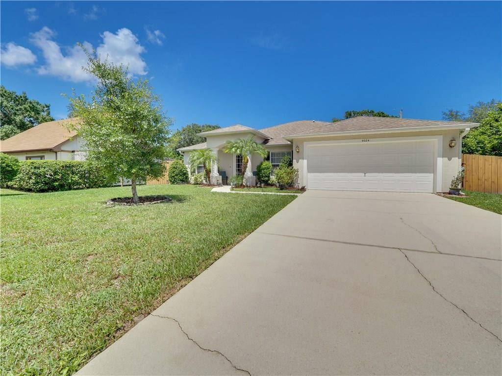9024 100th Court, Vero Beach, FL 32967 - #: 233624
