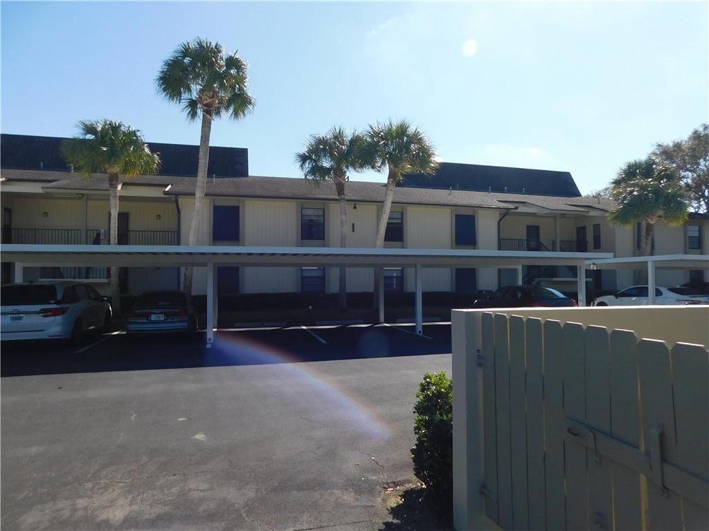 1 Plantation Drive #105, Vero Beach, FL 32966 - #: 240637