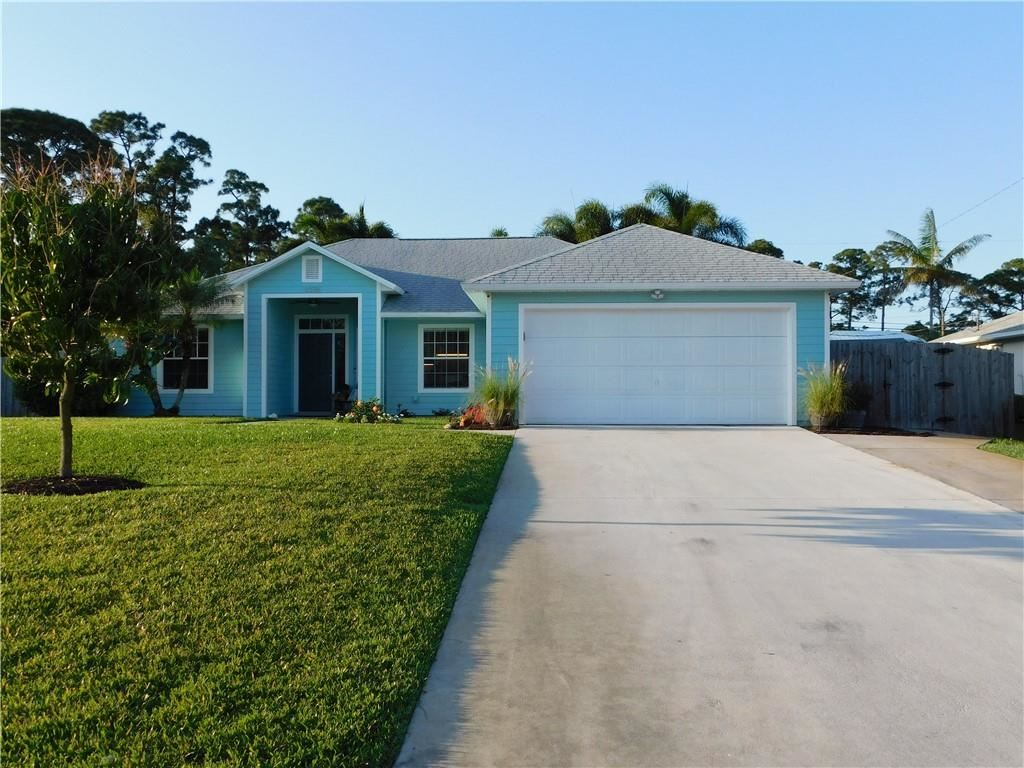 1076 SW 17th Place SW, Vero Beach, FL 32962 - #: 242684