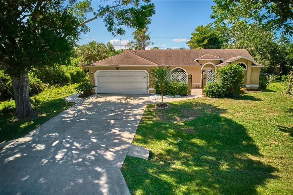 685 Capon Terrace, Sebastian, FL 32958 - #: 242735