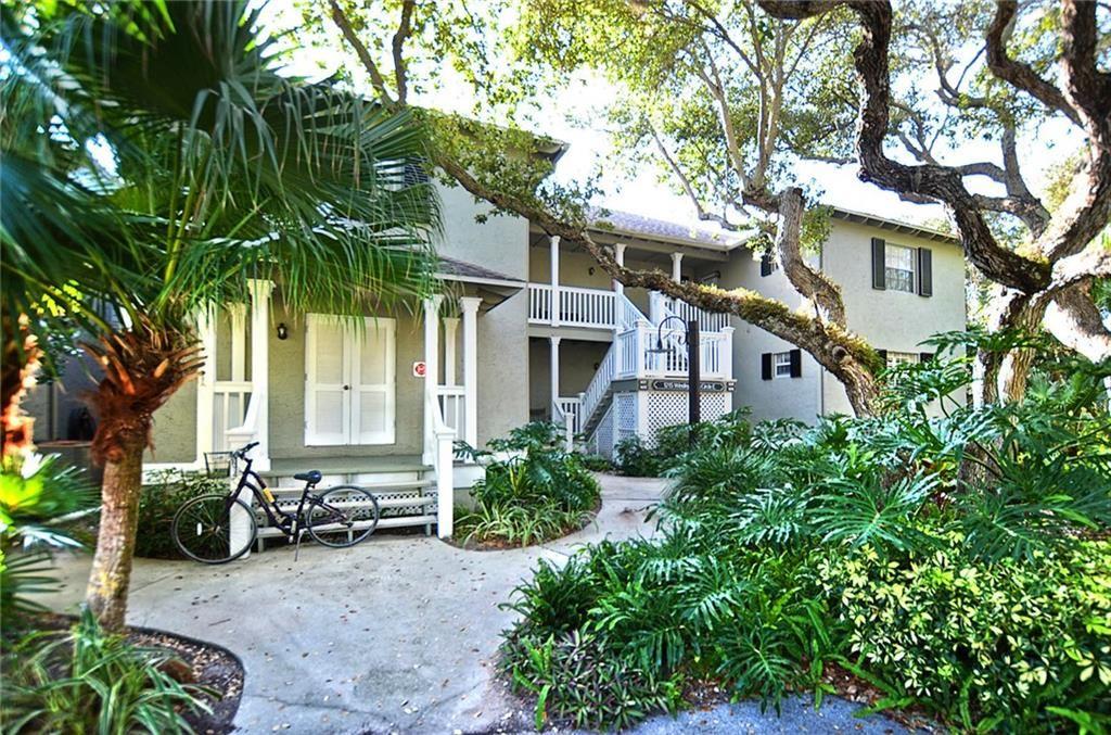 1215 Winding Oaks Circle E #403, Vero Beach, FL 32963 - #: 234766