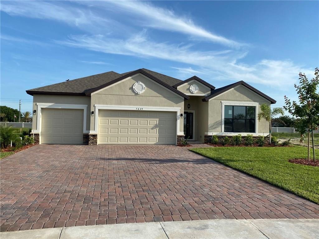 5649 1st Square SW, Vero Beach, FL 32967 - #: 226767
