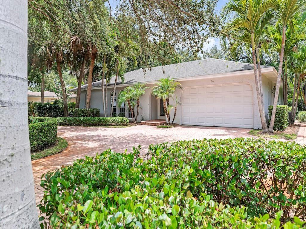 706 Hibiscus Lane, Vero Beach, FL 32963 - #: 233871