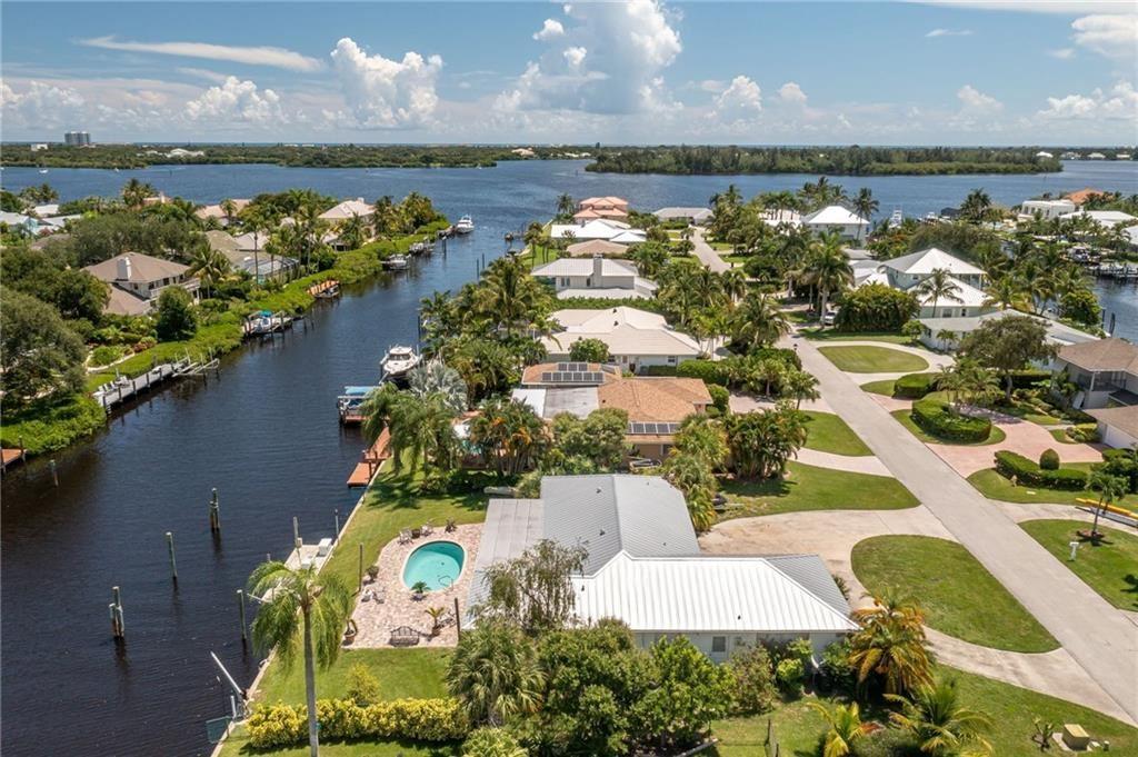 18 Seahorse Lane, Vero Beach, FL 32960 - #: 245885