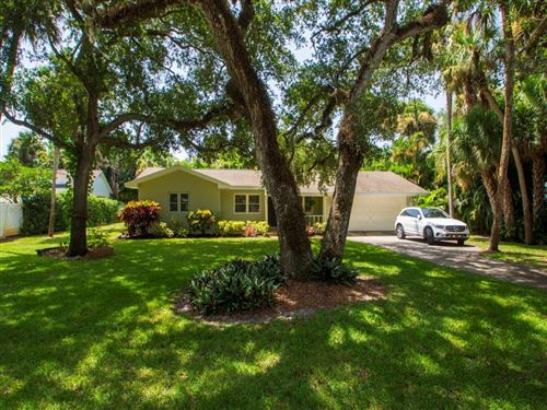 Photo of 650 Bougainvillea Lane, Vero Beach, FL 32963 (MLS # 245909)