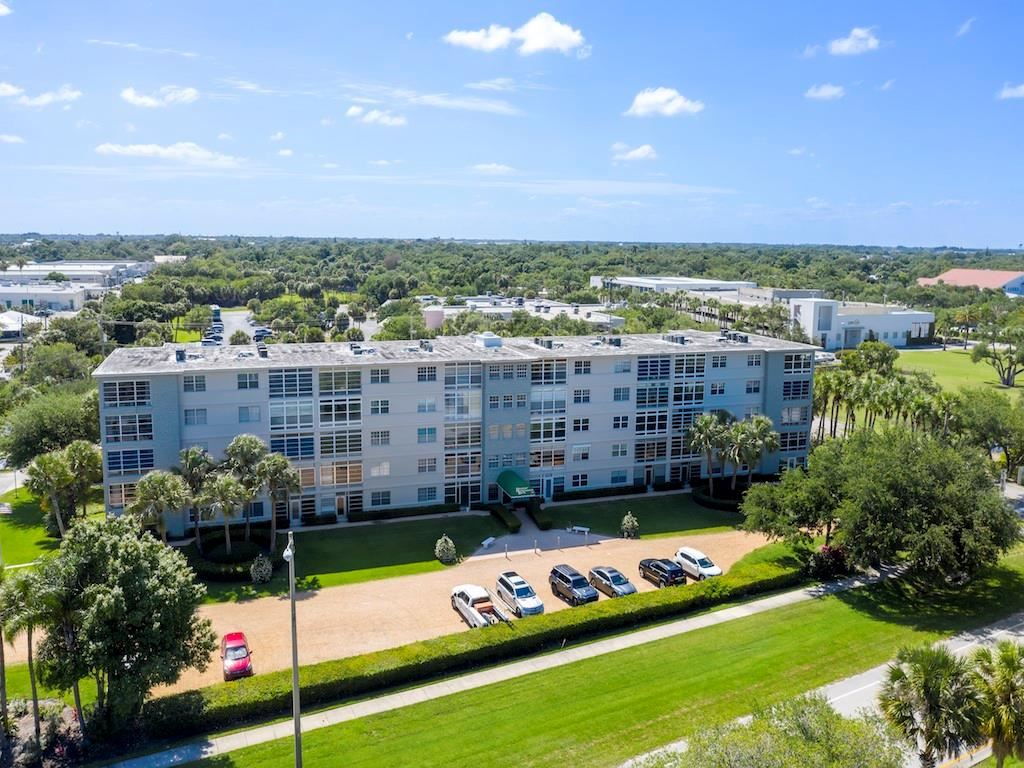 2333 Indian River Boulevard #105, Vero Beach, FL 32960 - #: 242914