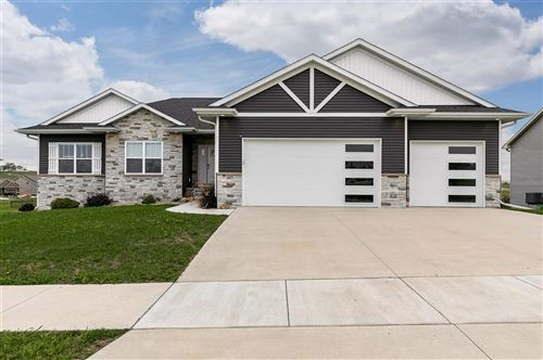 Photo of 1415 Eagleview Dr, Fairfax, IA 52228 (MLS # 202105034)