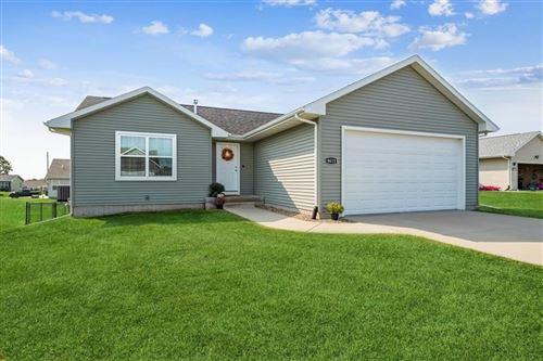 Photo of 8615 Flatbush Ct NE, Cedar Rapids, IA 52402 (MLS # 202105111)