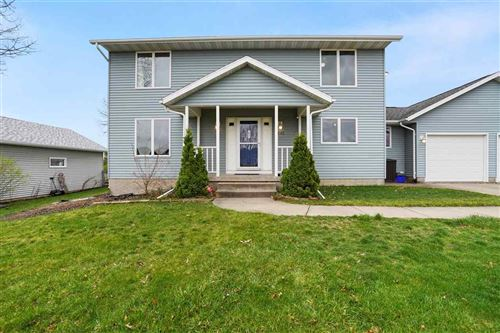 Photo of 2545 Grand Ave, Marion, IA 52302 (MLS # 202102126)