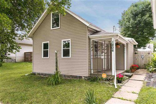 Photo of 1806 C St SW, Cedar Rapids, IA 52404 (MLS # 202004204)