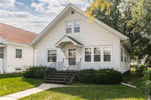 Photo of 1535 6th Ave SE, Cedar Rapids, IA 52403 (MLS # 202105205)