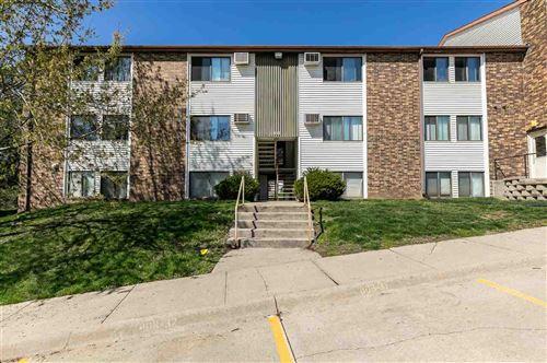 Photo of 808 Benton Dr, Iowa City, IA 52246 (MLS # 202102220)