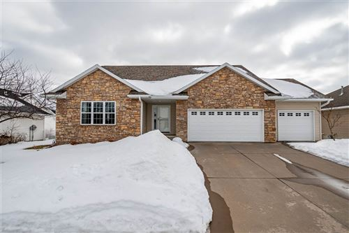 Photo of 1627 Grizzly Trail, North Liberty, IA 52317 (MLS # 202101221)