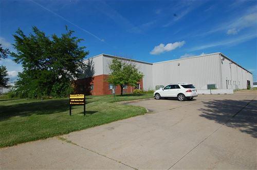 Photo of 2308 Heinz Rd, Iowa City, IA 52240 (MLS # 202002239)