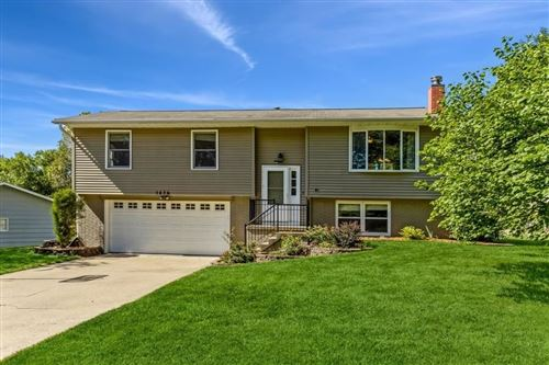 Photo of 1476 Valley View Dr., Coralville, IA 52241 (MLS # 202105278)