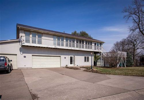 Photo of 101 Lombard St, Muscatine, IA 52761 (MLS # 202002306)