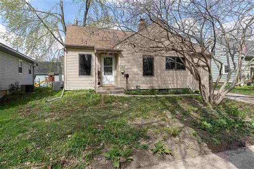 Photo of 619 Dearborn St, Iowa City, IA 52240 (MLS # 202102313)