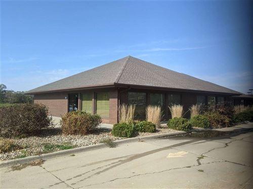 Photo of 1539 S Gilbert St, Iowa City, IA 52240 (MLS # 202006337)