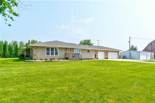 Photo of 3256 220th St, Ainsworth, IA 52201 (MLS # 202105405)