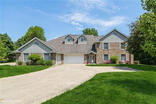 Photo of 2316 Willowbrooke Ln, Iowa City, IA 52246 (MLS # 202103477)