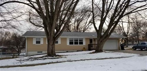 Photo of 1702 11th St, Coralville, IA 52241 (MLS # 202001499)
