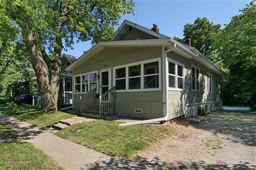 Photo of 1320 Muscatine Ave, Iowa City, IA 52240 (MLS # 202104530)
