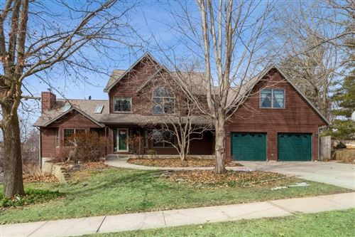 Photo of 839 Bluffwood Dr, Iowa City, IA 52245 (MLS # 202001583)