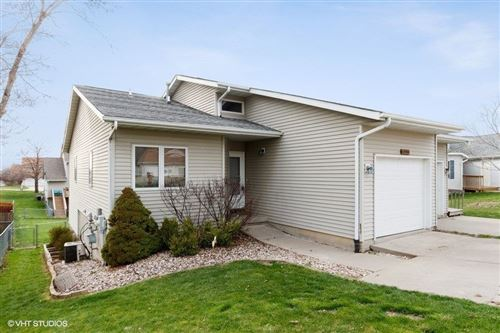 Photo of 1420 Kenai Ct, Coralville, IA 52241 (MLS # 202002598)