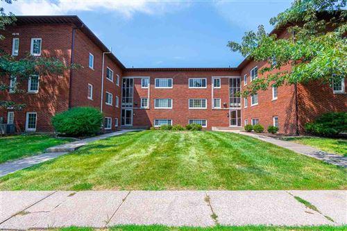 Photo of 113 Grandview Ct, Iowa City, IA 52246 (MLS # 202104605)