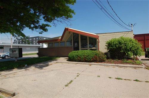 Photo of 1224 S Gilbert St, Iowa City, IA 52240 (MLS # 202003638)