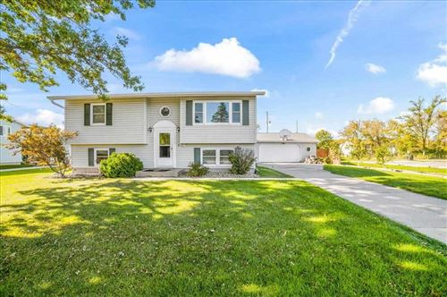 Photo of 1625 Hillcrest St, Ely, IA 52227 (MLS # 202105674)