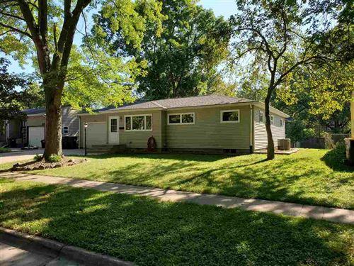 Photo of 702 Brookside Dr, Iowa City, IA 52245 (MLS # 202104720)
