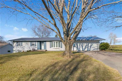 Photo of 104 Fairview Dr, Wellman, IA 52356 (MLS # 202102805)