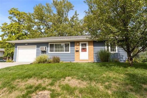 Photo of 1116 Rochester Ave, Iowa City, IA 52245 (MLS # 202006872)