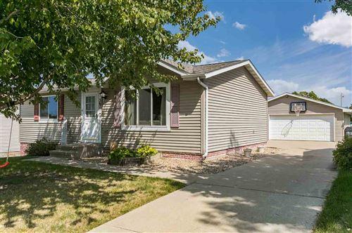 Photo of 5671 Deerwood St SW, Cedar Rapids, IA 52404 (MLS # 202104943)