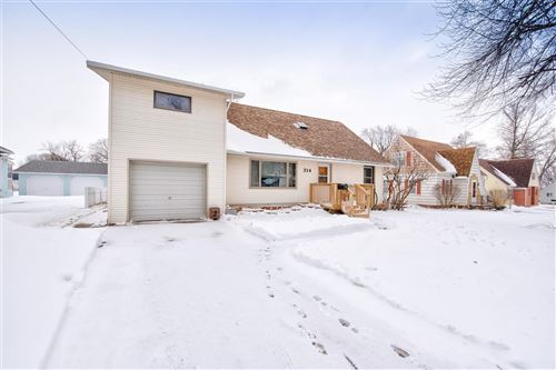 Photo of 314 N 12th Street, Estherville, IA 51334 (MLS # 202170)