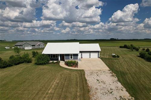Photo of 34760 Island View Lane, Emmetsburg, IA 50536 (MLS # 210547)
