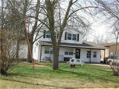 Photo of 35 Hinshaw St, Arnolds Park, IA 51331 (MLS # 210802)