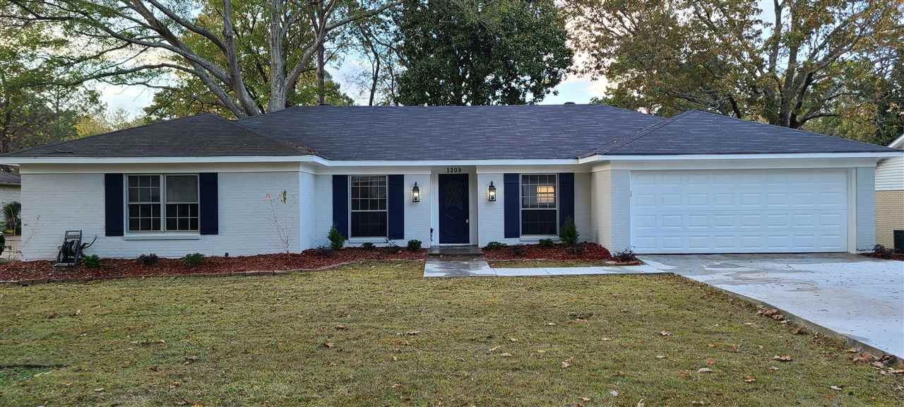 1209 CLIFFDALE LN, Clinton, MS 39056 - MLS#: 336067