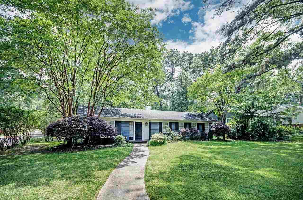 1077 CEDAR HILL DR, Jackson, MS 39206 - MLS#: 340132