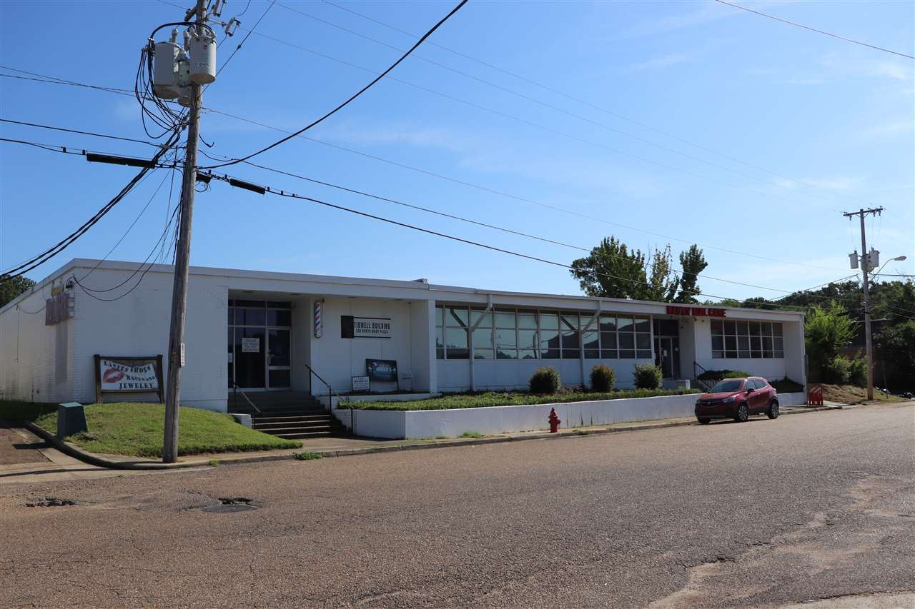 Photo for 330 NORTH MART PLAZA, Jackson, MS 39206 (MLS # 333156)
