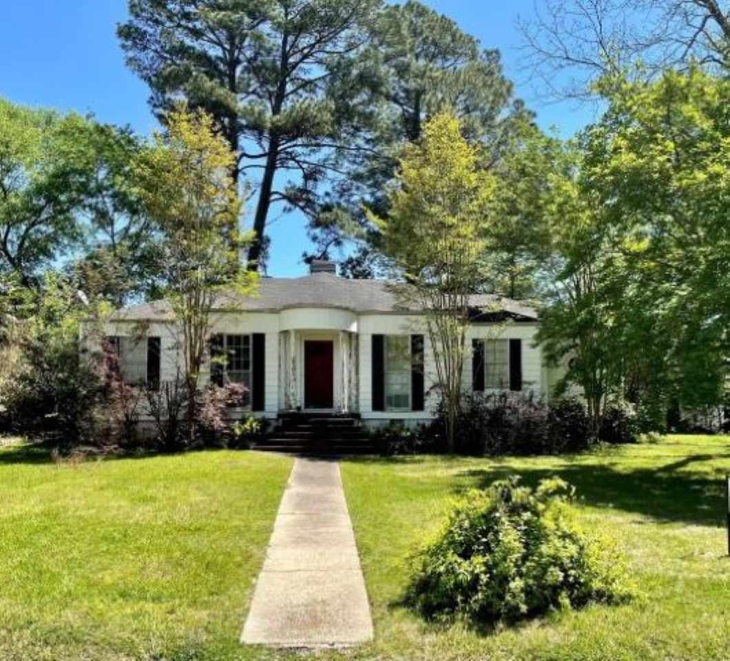 140 PINEHAVEN DR, Jackson, MS 39202 - MLS#: 338569