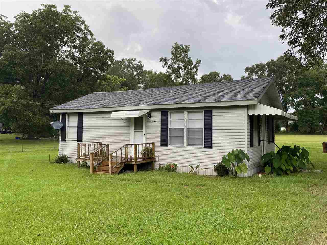 611 RALEIGH DR, Magee, MS 39111 - MLS#: 343798