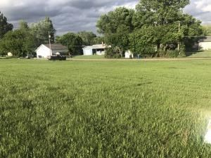 Photo of 1402 6th Ave NW, Jamestown, ND 58401 (MLS # 29-444)