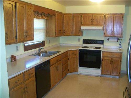 Tiny photo for 1010 6th Avenue SW, Jamestown, ND 58401 (MLS # 20-511)