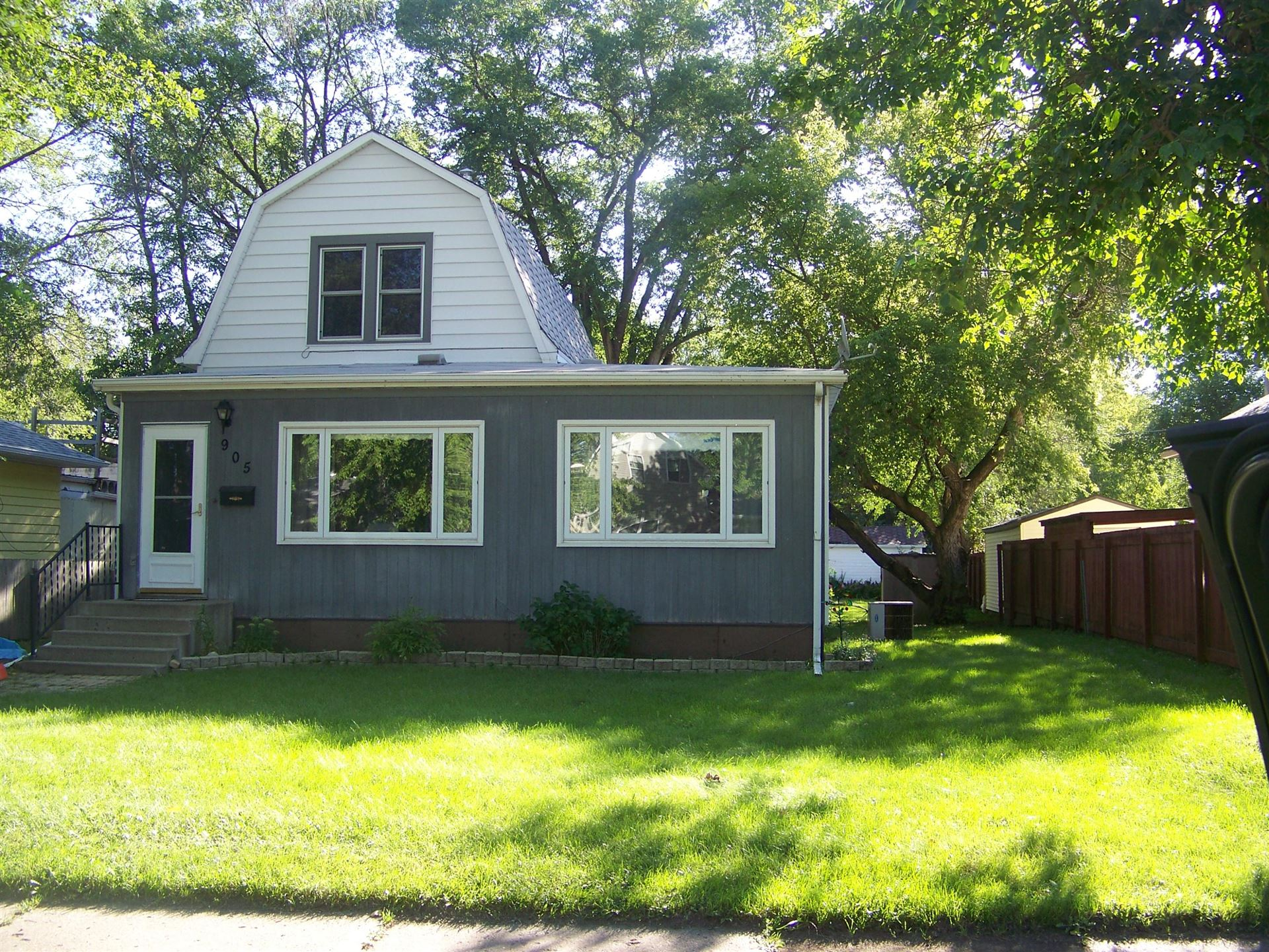 Photo for 905 9th Avenue SE, Jamestown, ND 58401 (MLS # 20-512)