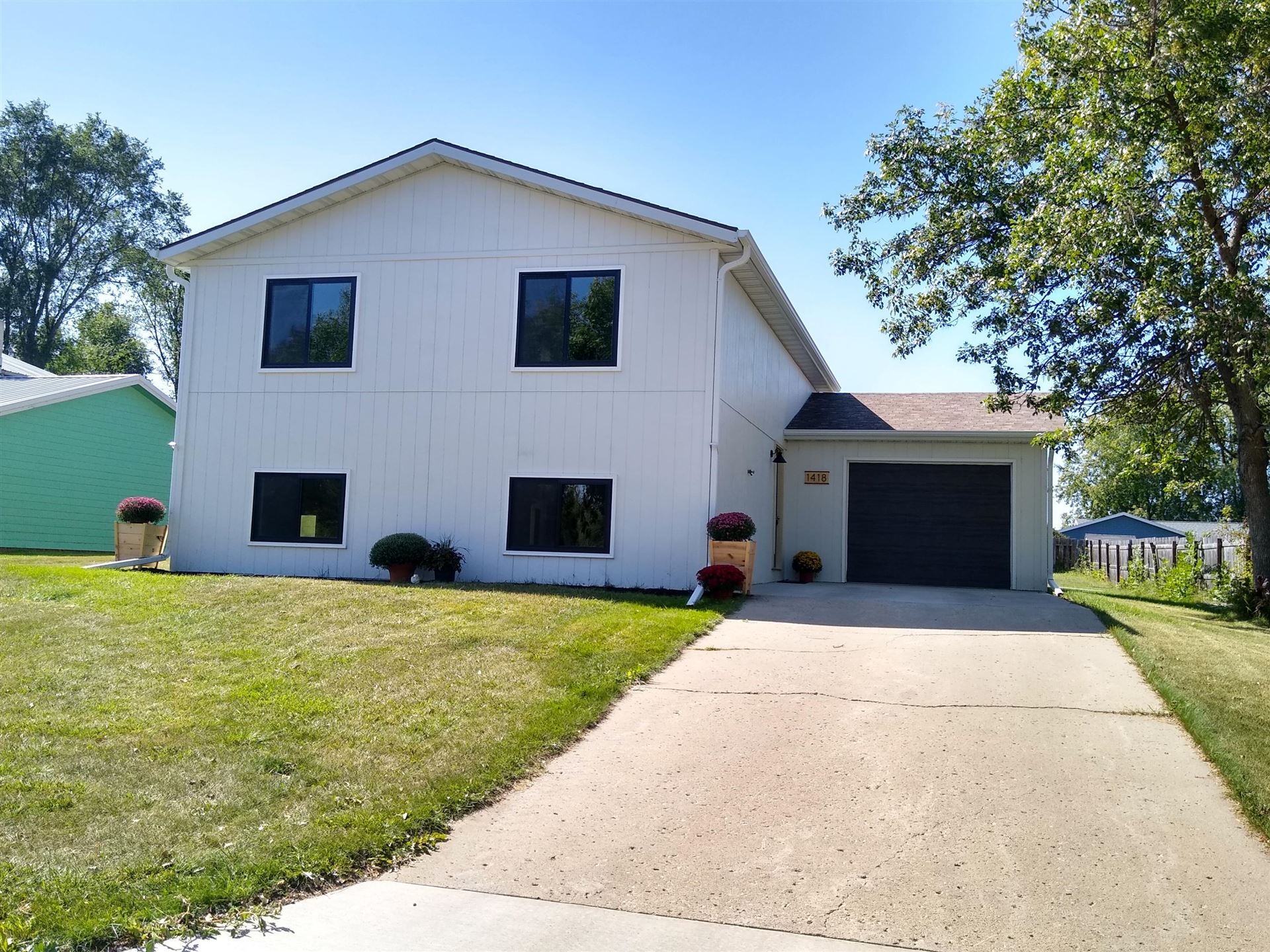 Photo for 1418 13th Avenue SW, Jamestown, ND 58401 (MLS # 20-535)